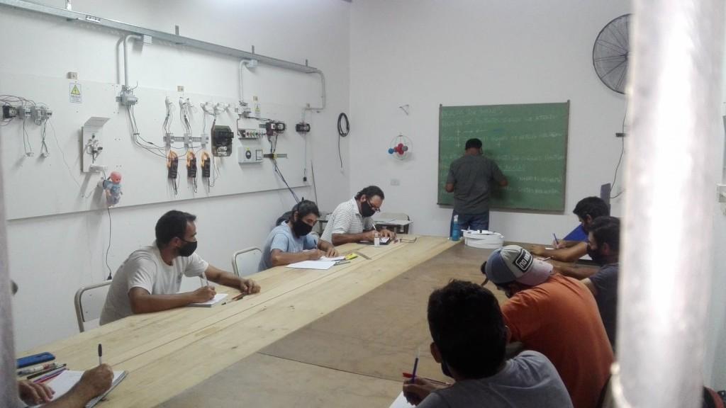 Gral. Villegas: Inicio de Clases y Nuevas Inscripciones en el Centro de Formación Laboral