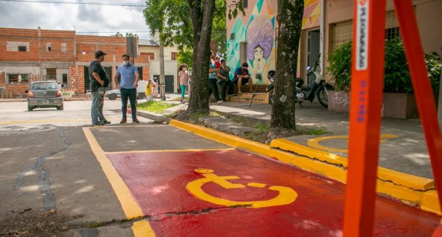 Campana: El Municipio realiza tareas de pintura para la señalización vial en las escuelas