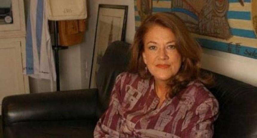"Alicia Castro: ""Me repugna Vidal con su disfraz de caperucita roja"