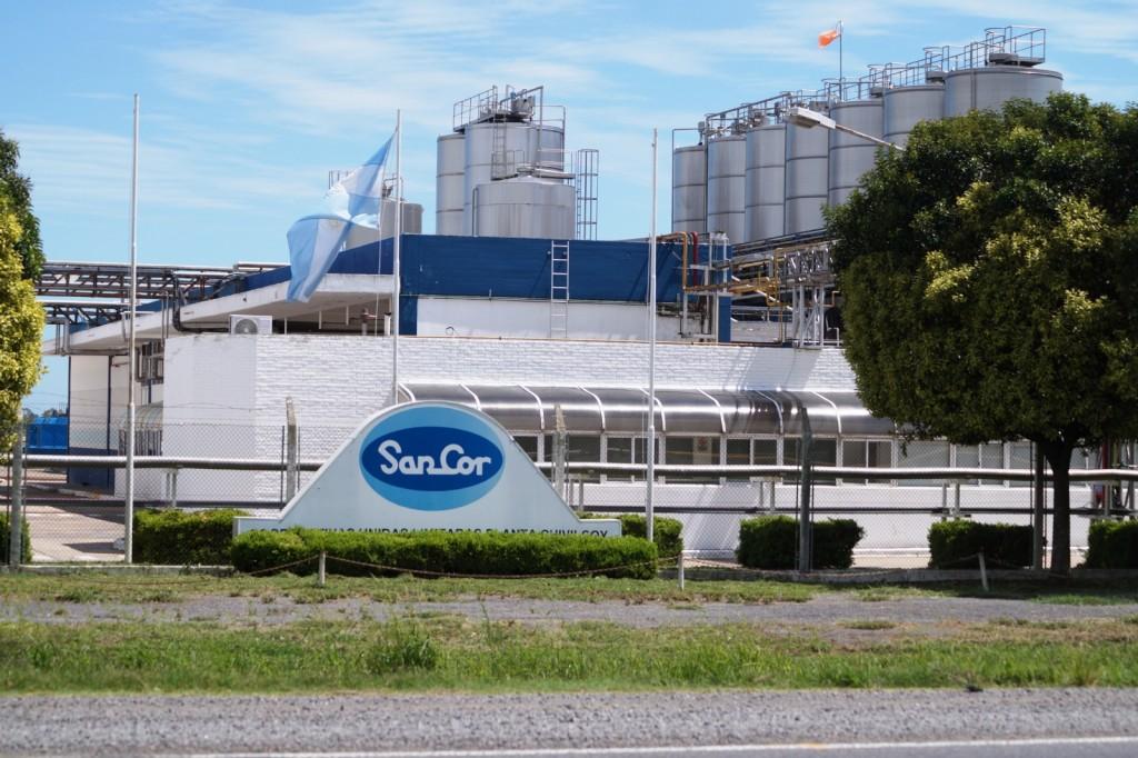 Chivilcoy: Alertan por posibles despidos en la planta de Adecoagro (Ex SanCor)