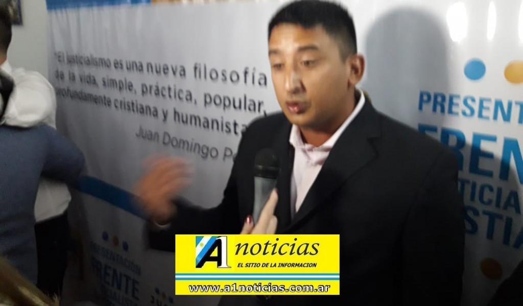 """Ezequiel Farias: """"Desde el Frente Justicialista Cristiano atendemos a los más necesitados, las iglesias hacen una gran labor social"""""""
