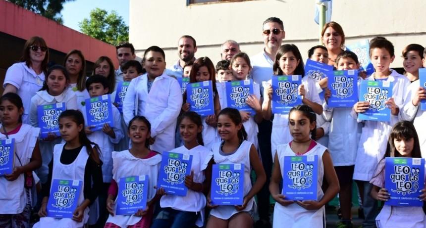 Merlo: Se realizó la 2ª entrega de libros a alumnos de escuelas primarias