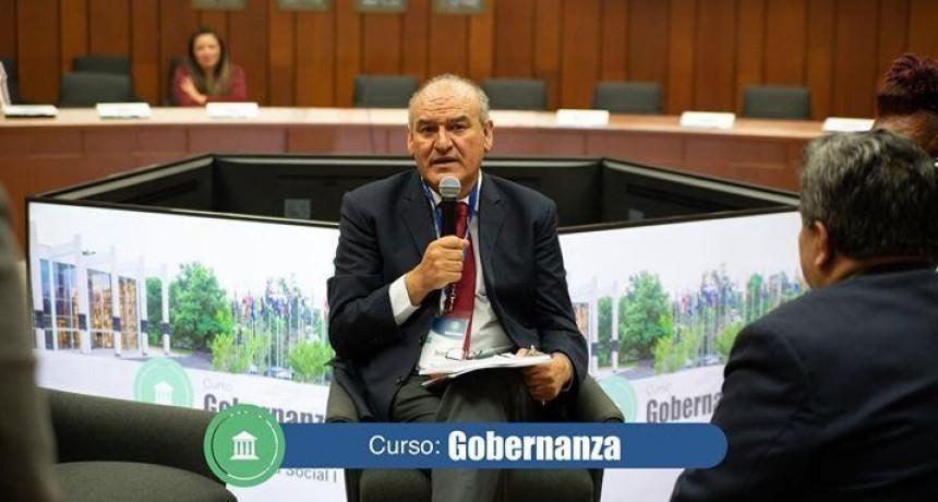 El referente de Luján, Juan Carlos Juárez, participó en un curso de Gobernanza en México