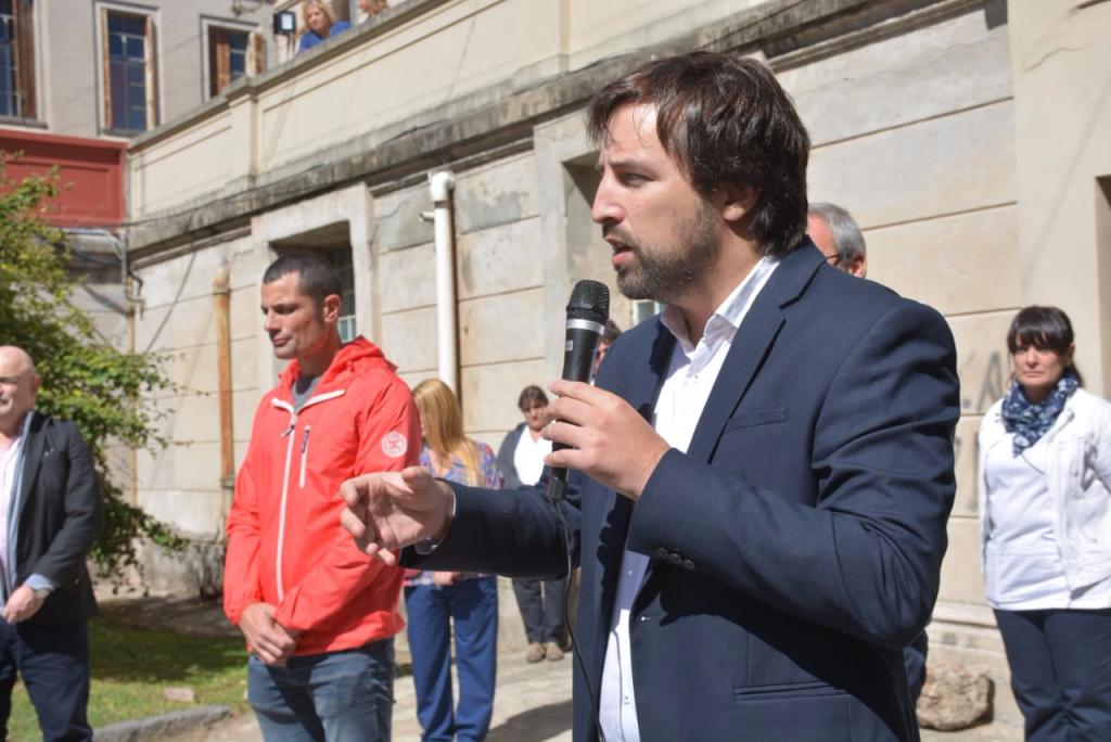 Gral. Rodríguez: García y el viceministro Kreplak presentaron el personal médico y no médico del Hospital Vicente López y Planes