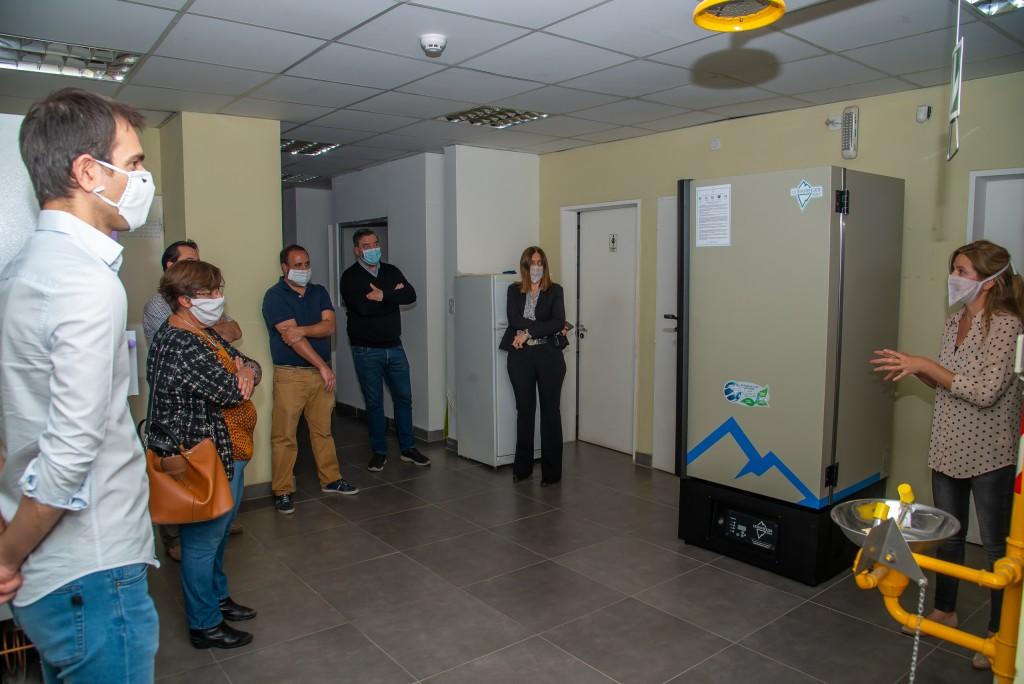 Junín: Petrecca visitó el laboratorio de la UNNOBA, en donde se realizan testeos de Covid-19
