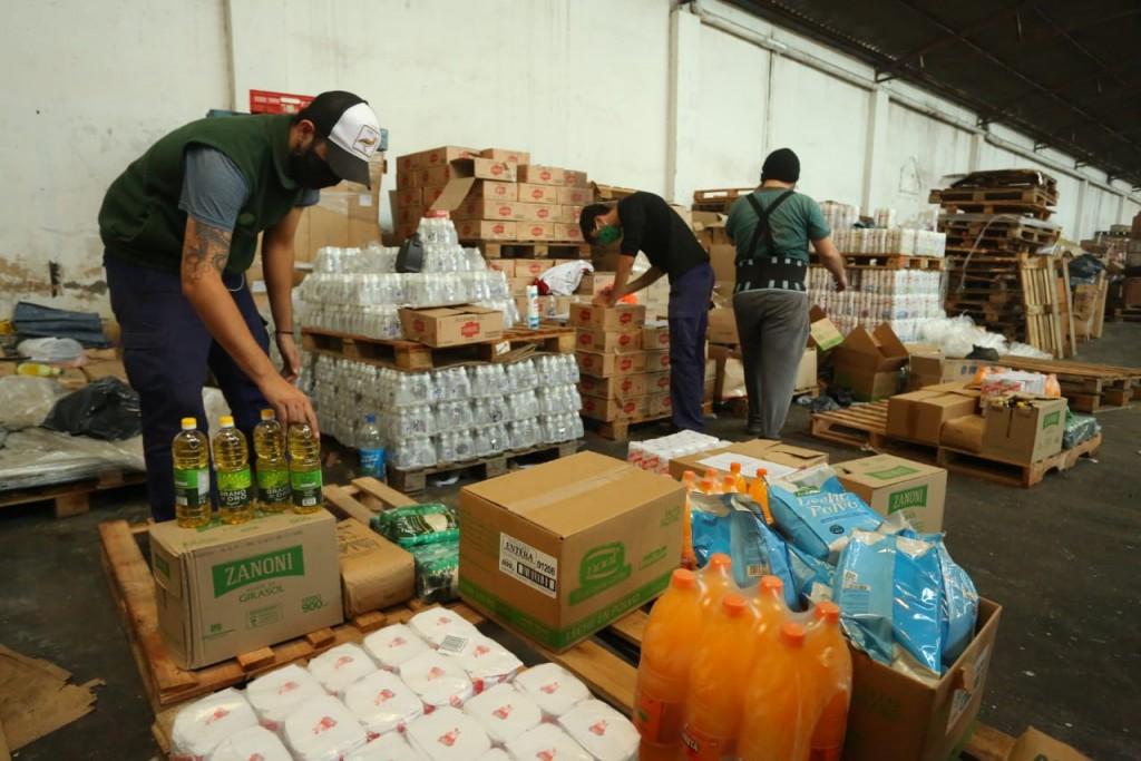 Esteban Echeverria: Fernando Gray recorrió el Depósito Alimentario Municipal