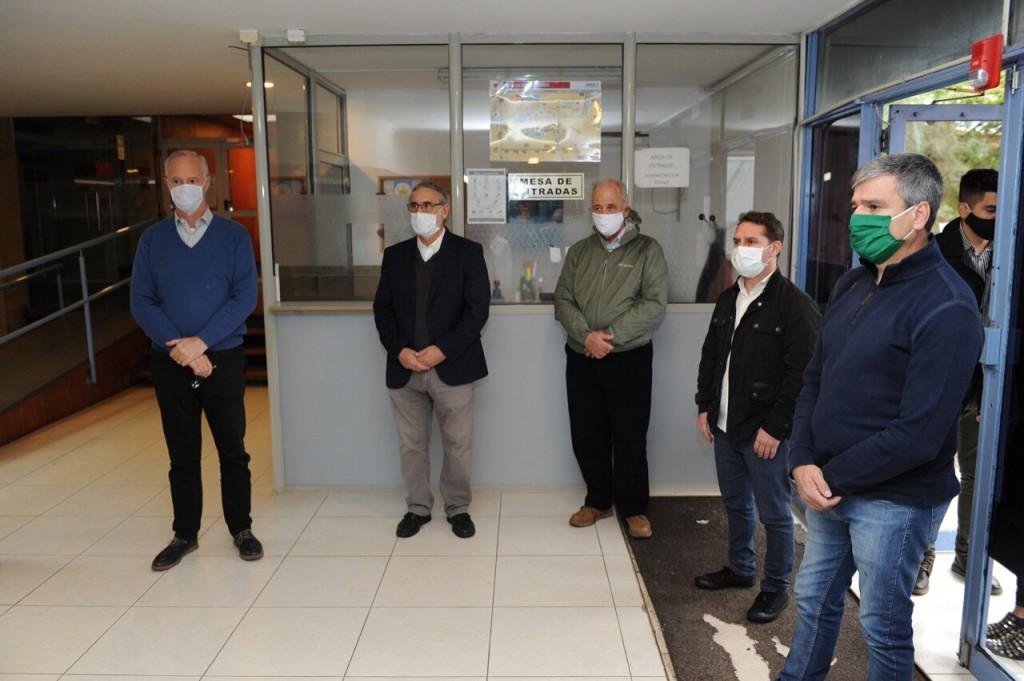 Juan Zabaleta, Luis Basterra y Daniel Gollán recorrieron el centro de investigación del INTA