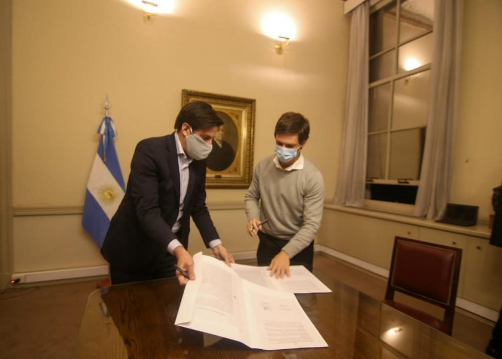 San Vicente: Nico Mantegazza selló un acuerdo para recibir Netbooks en las escuelas