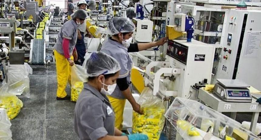 Alberto Fernández firmó DNU de Asistencia de Emergencia al Trabajo y la Producción