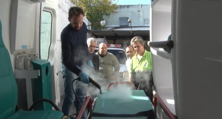Berisso: Cagliardi recibió donación de equipo para la limpieza de ambulancias y de móviles municipales