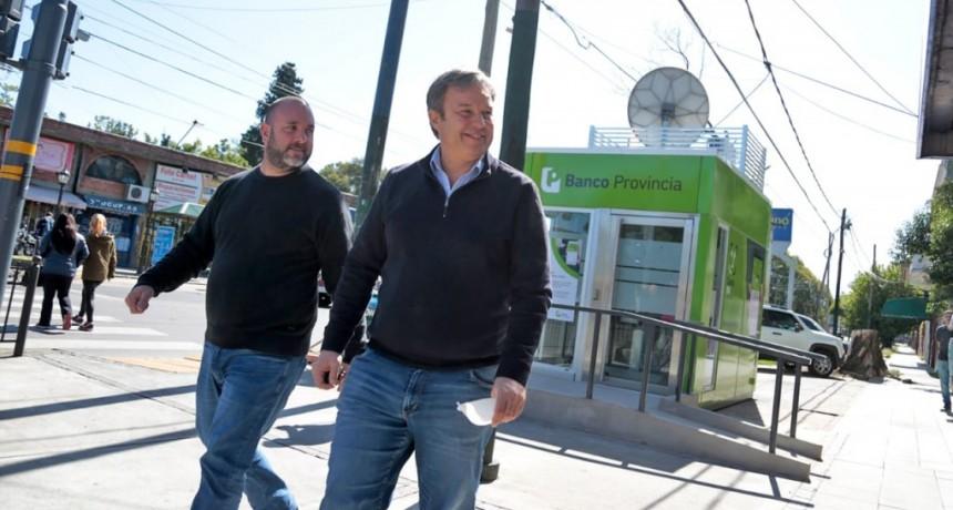 """Cascallares anunció que """"ya funcionan los Cajeros bancarios en Burzaco y están llegando más a Glew"""""""