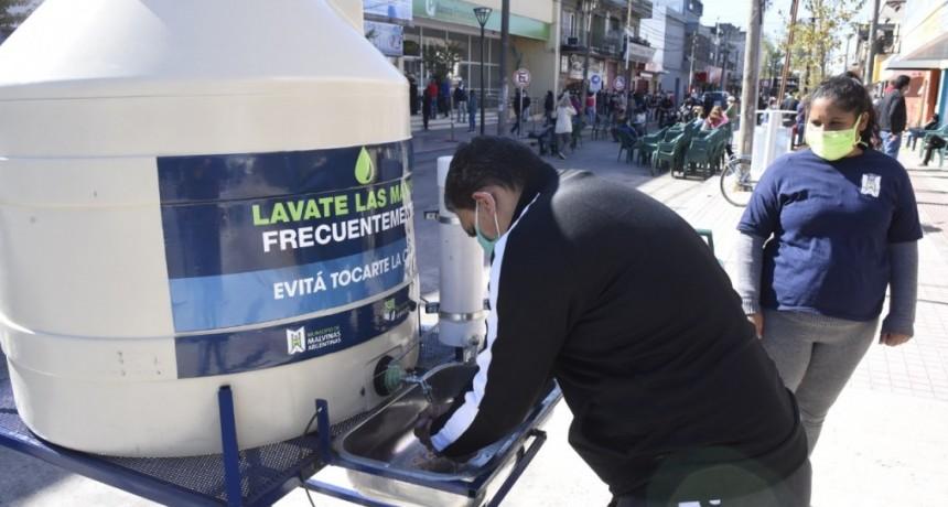 Malvinas Argentinas: En novedosa iniciativa instalan tanques de agua comunitarios
