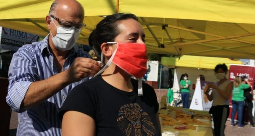 Lanús: El Municipio entregó más de 600 tapabocas en la estación ferroviaria