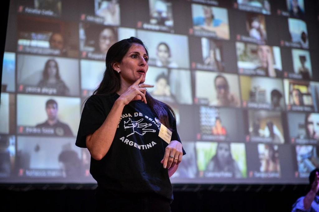 Escobar: Con récord de inscriptos comenzó el curso municipal de lengua de señas argentinas 2021