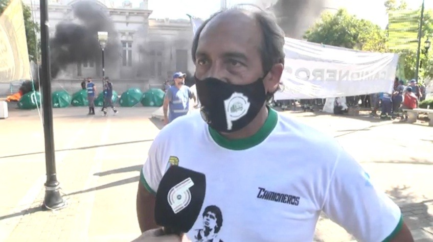 Moreno: Corte y reclamo de los trabajadores de la recolección de residuos