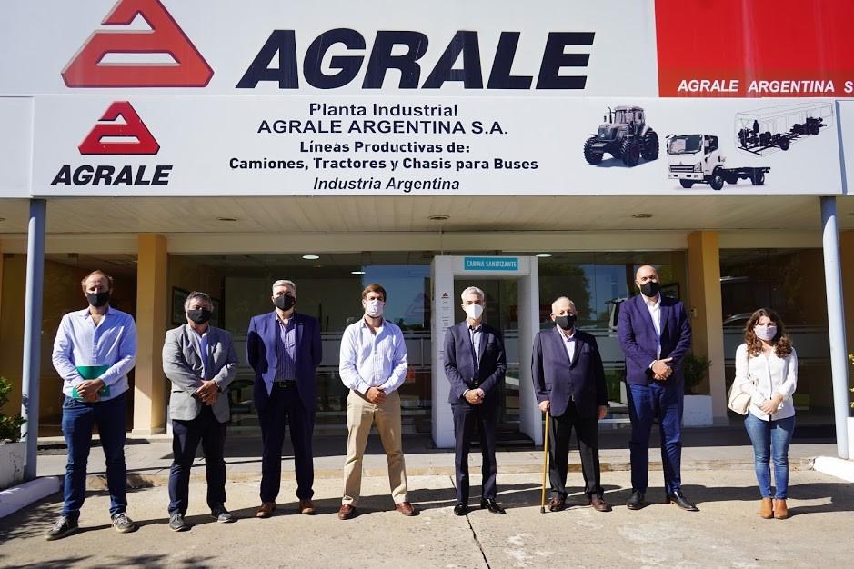 Mercedes: Ustarroz junto al Ministro Mario Meoni recorrieron la Planta Industrial Agrale