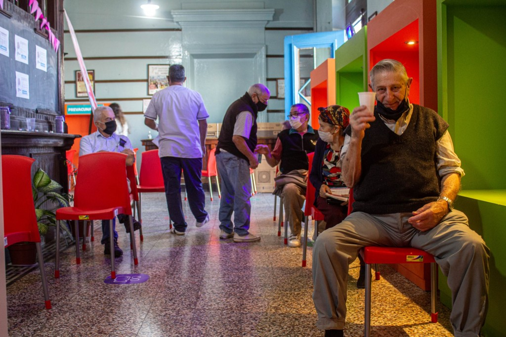Alem: Cerca de 3.500 personas recibieron su vacuna en nuestro distrito