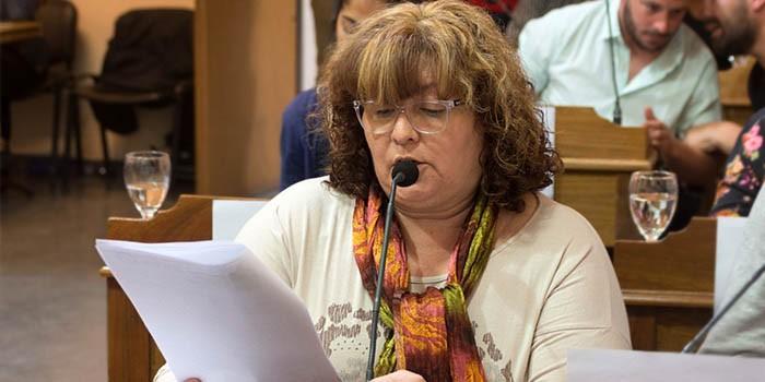 """Claudia Guerra: """"Queremos que nuestros vecinos estudien, se reciban de alguna carrera y formen su familia en el distrito"""""""