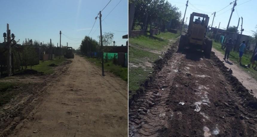 """Moreno: Vecinos solidarios ponen """"plata de su bolsillo"""" para arreglar las calles del barrio Catalina"""