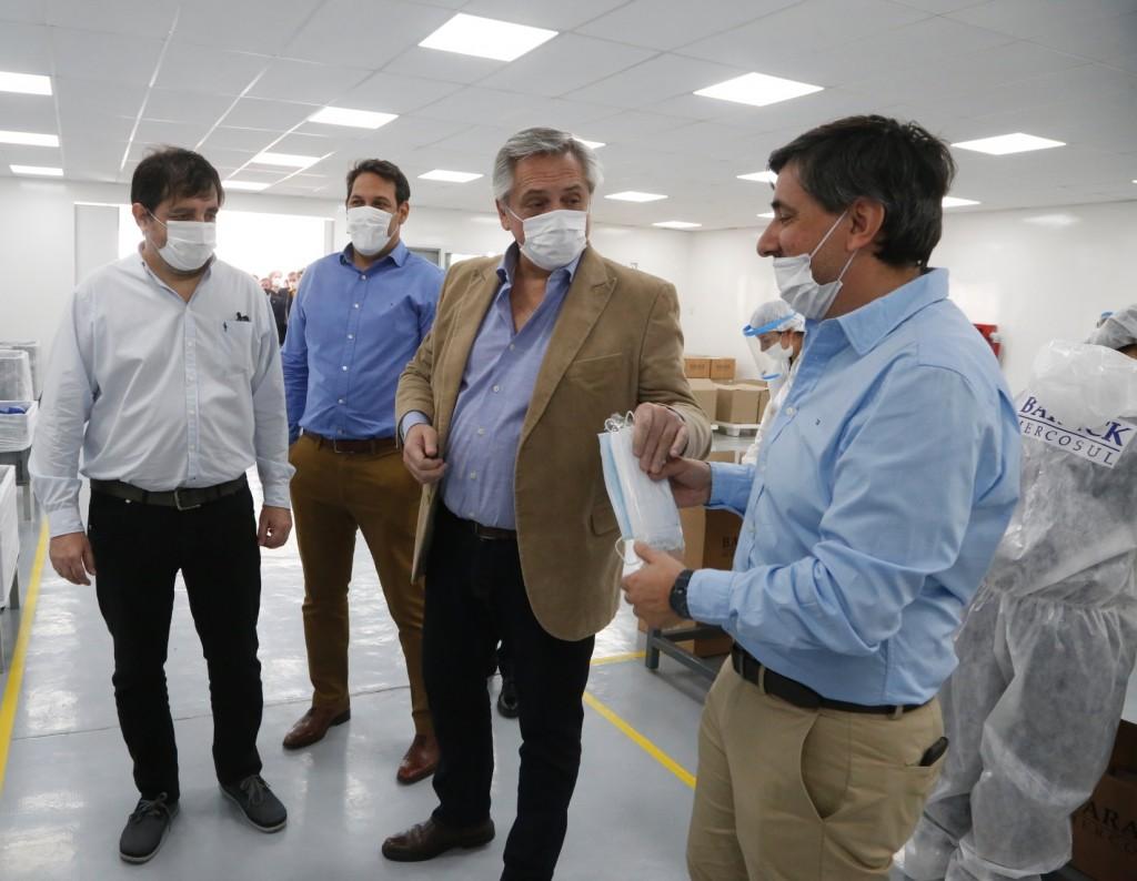 San Martín: El presidente Fernández y Moreira recorrieron la textil Barack Mercosul