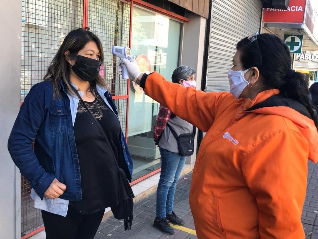 Berazategui: Tomarán la temperatura a los trabajadores Municipales y en la Fila de los Bancos