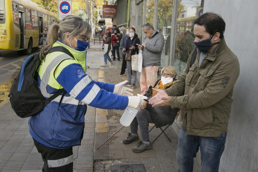 Vicente López: Operativo de asistencia en zonas bancarias para adultos mayores