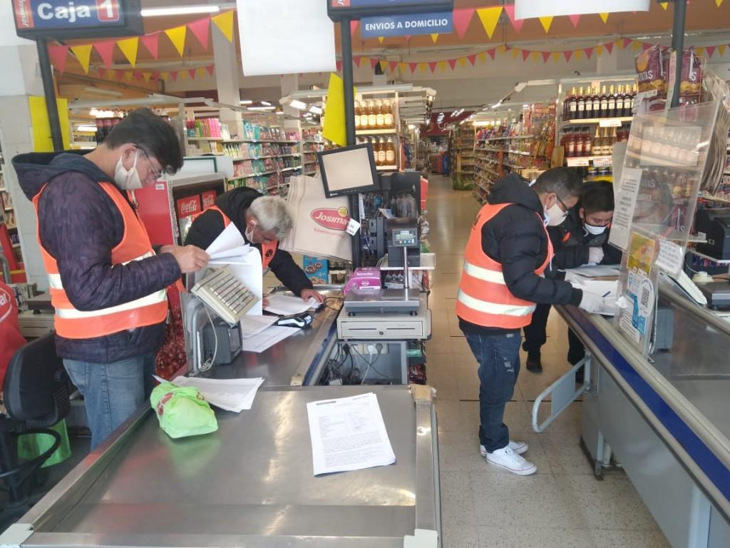 E. Echeverría: El Municipio infraccionó comercios por sobreprecios