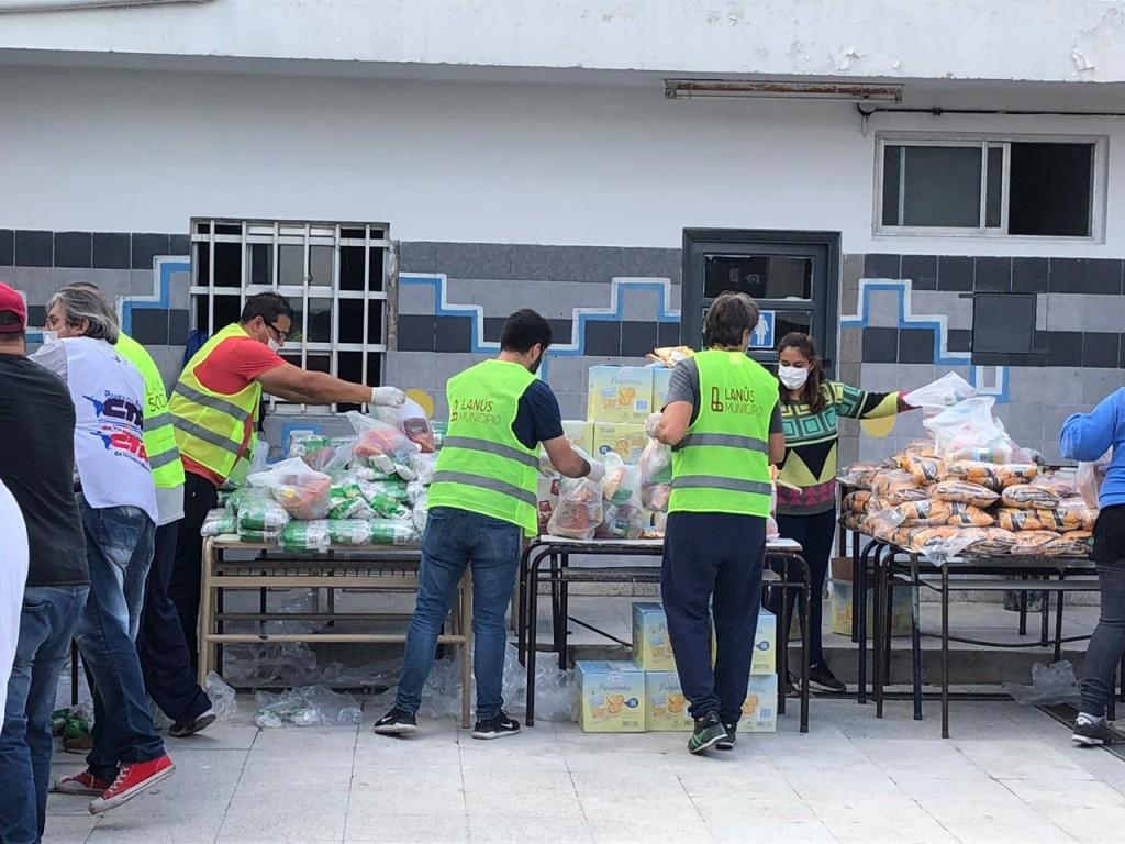 Continua el cronograma de entrega de módulos alimentarios a 48 mil alumnos de Lanús