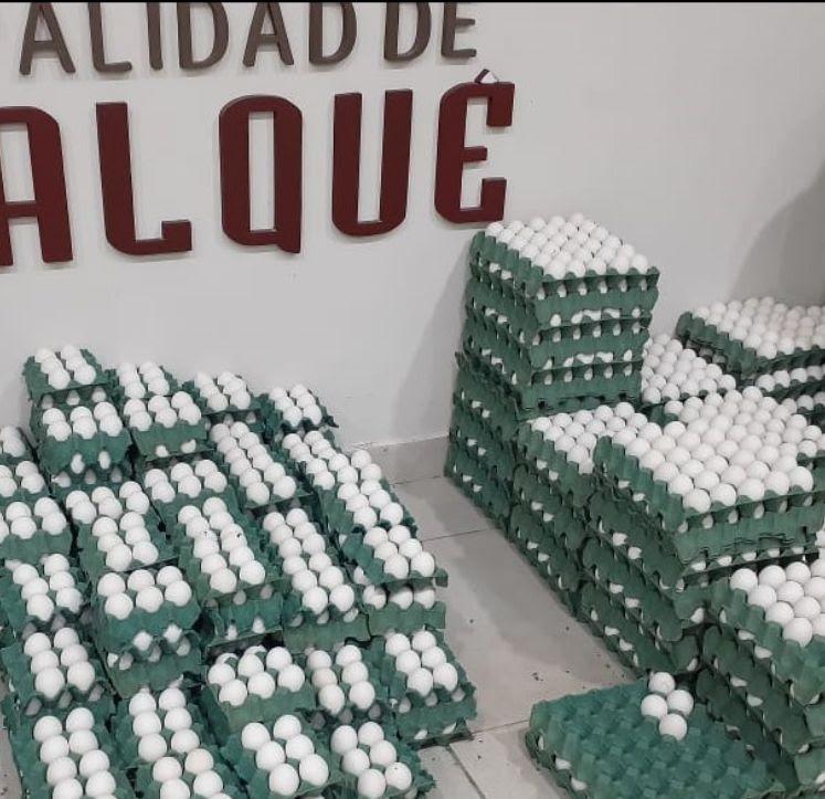 Tapalqué: El Municipio entrega harina y huevos a familias necesitadas