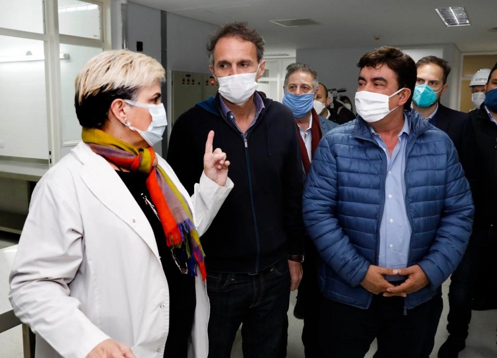 Espinoza y Katopodis supervisaron el final de obra del Hospital René Favaloro