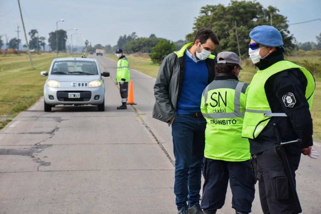 San Nicolás: El intendente Passaglia recorrió los controles en los accesos a la ciudad