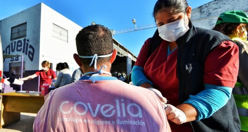 E. Echeverría: El Municipio realizó un operativo de vacunación a recolectores de residuos