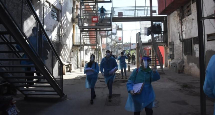 Morón: Operativo casa por casa de detección y prevención en el Barrio Carlos Gardel