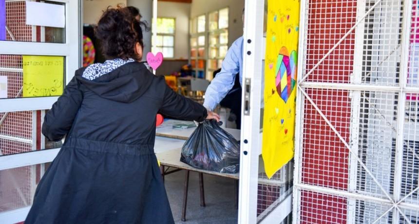 Escobar: Exitoso operativo de la Municipalidad para entregar más de 22.000 módulos de alimentos del SAE