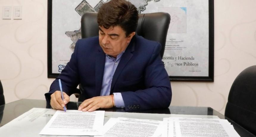 El intendente Fernando Espinoza autorizó la reapertura de 53 fábricas en La Matanza
