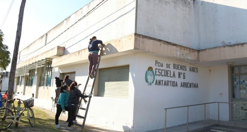 Suipacha: Iniciaron trabajos en las escuelas N° 6 y N°8