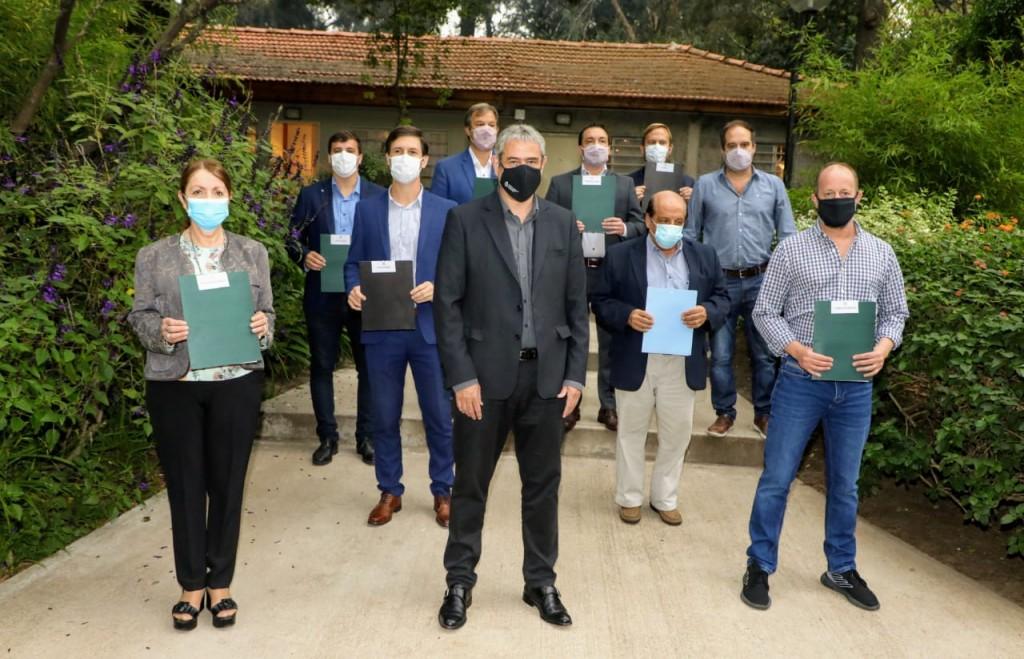 Avellaneda: El intendente Chornobroff firmó un acuerdo con el ministro de Hábitat y Desarrollo Territorial, Jorge Ferraresi