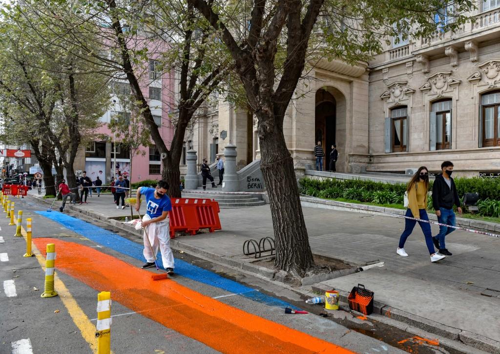 B. Blanca: Intervenciones artísticas en calles y espacios de encuentro