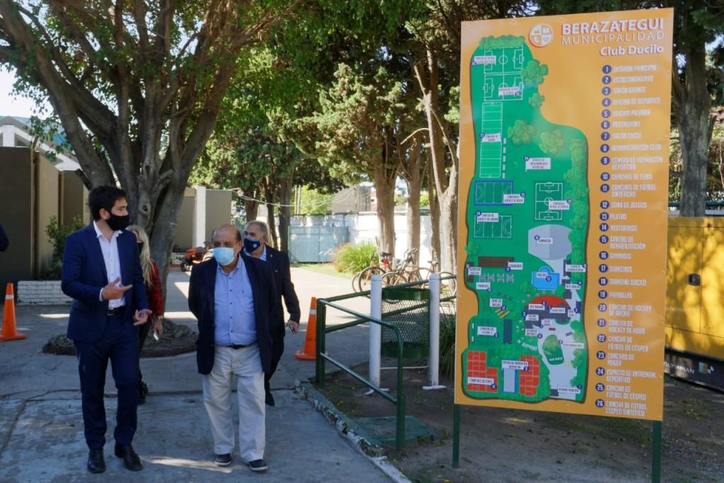 Berazategui: Mussi y funcionarios de deportes de la nación recorrieron obras en el Gimnasio de Vicenzo