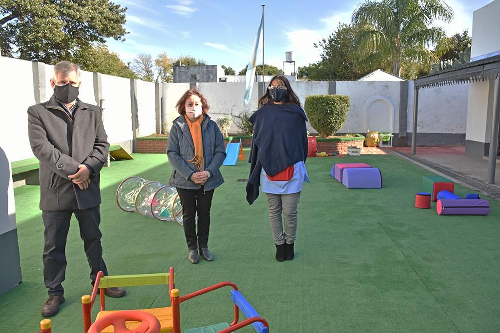 "Chivilcoy: Recorrida por el Jardín maternal municipal ""Estrellita de Belén"""