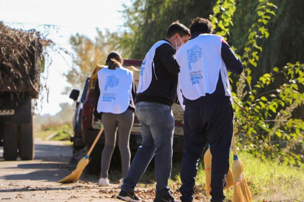 C. de Areco: Jornada de limpieza y concientización ciudadana para la higiene urbana y el medio ambiente en Barrio Norte