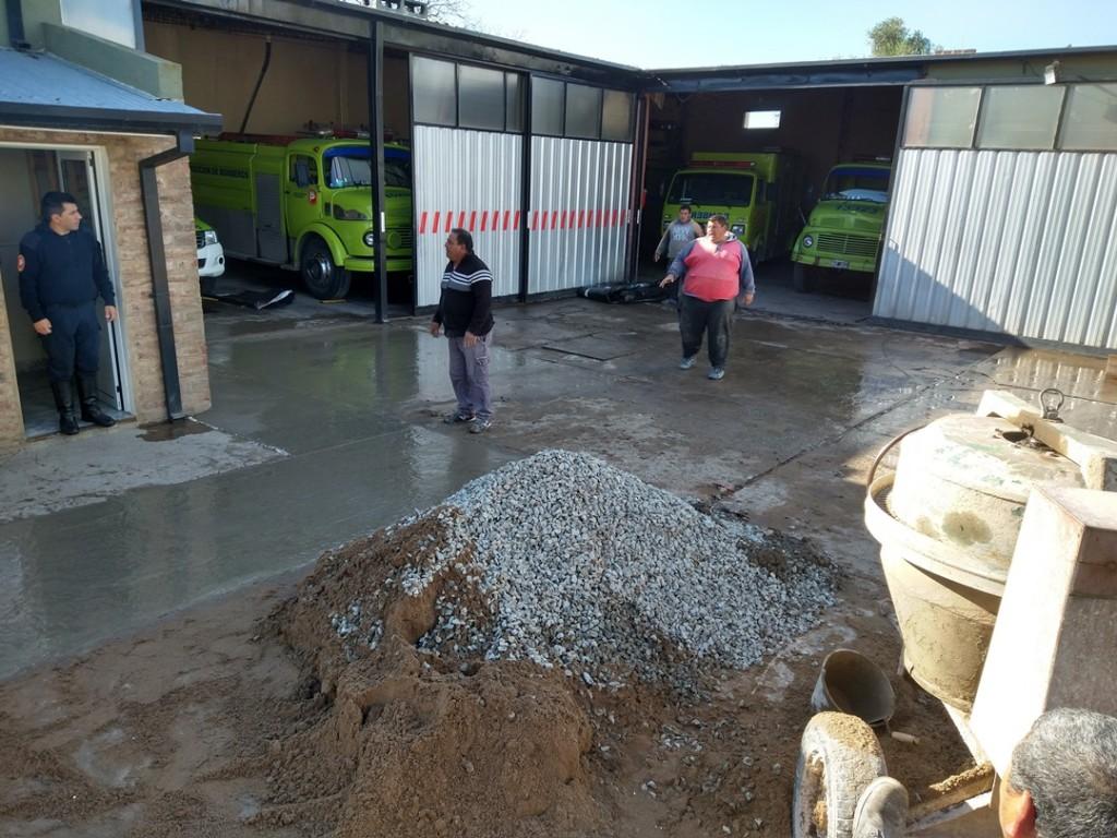 Lobería: Reparaciones en el cuartel de bomberos
