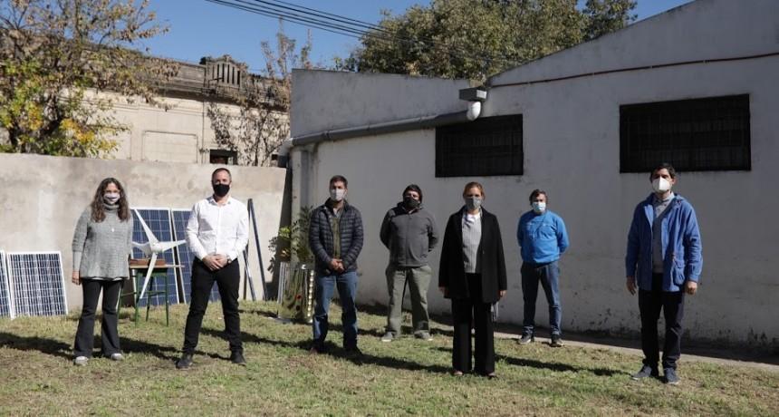 Mercedes: Ustarroz y ministra de Trabajo Malec visitaron el Centro de Formación Profesional Nº401