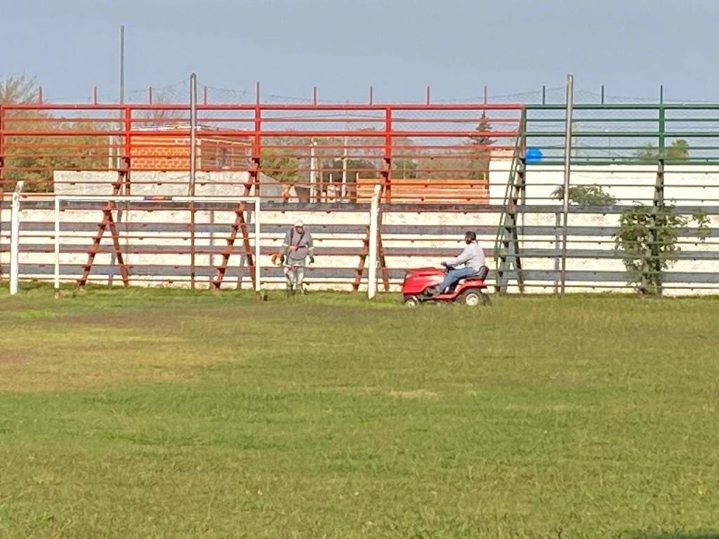 San Nicolás: El Municipio realiza tareas de mantenimiento de los 24 clubes de la Liga de Baby Fútbol