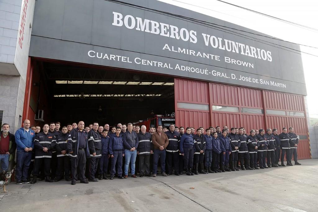 """Cascallares saludó a los Bomberos Voluntarios: """"Ponen el cuerpo en los momentos más difíciles"""