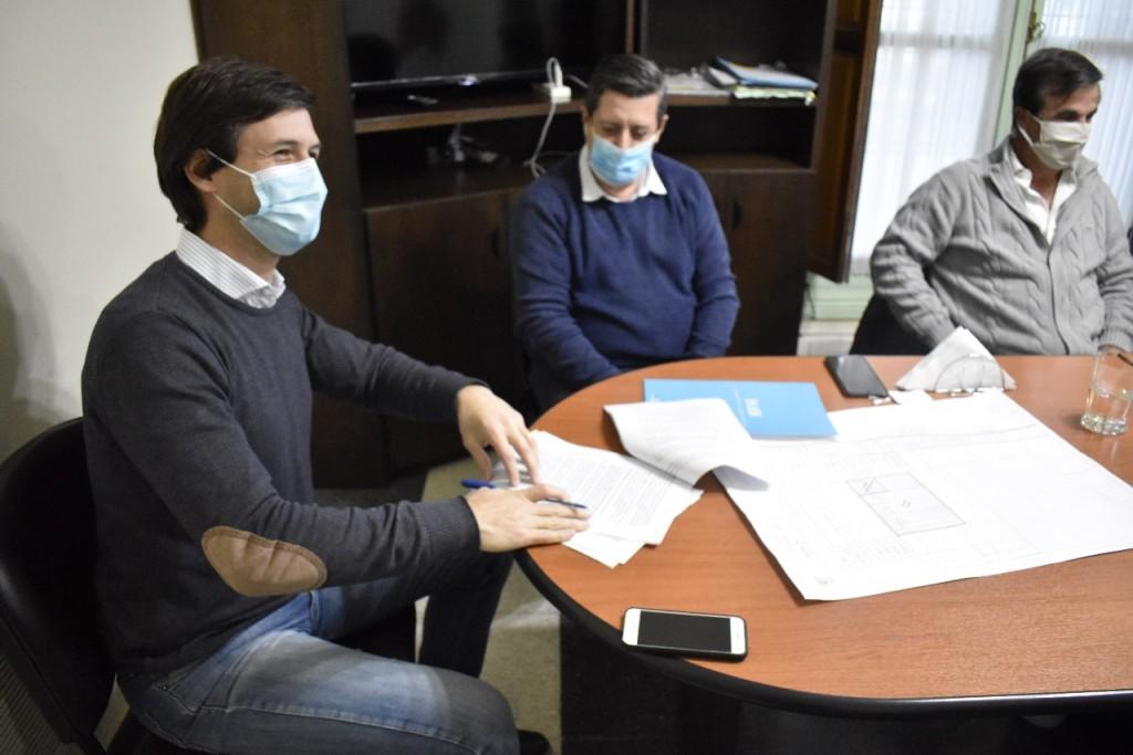 San Vicente: Mantegazza firmó un convenio con ENHOSA