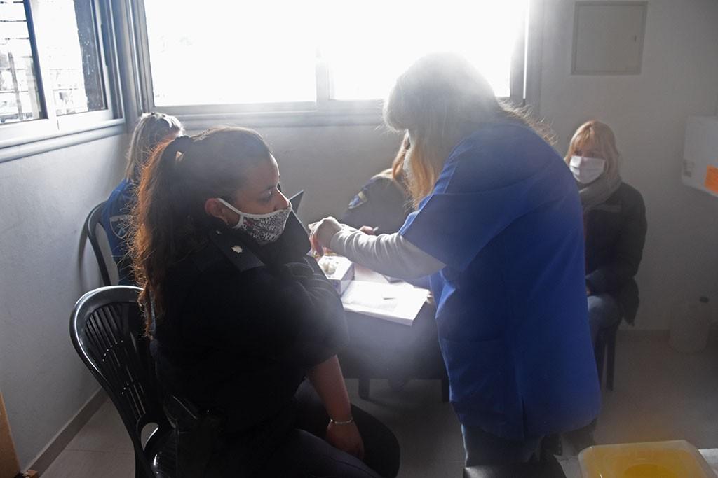 Chivilcoy: Comenzó la campaña de vacunación antigripal destinada a los efectivos policiales