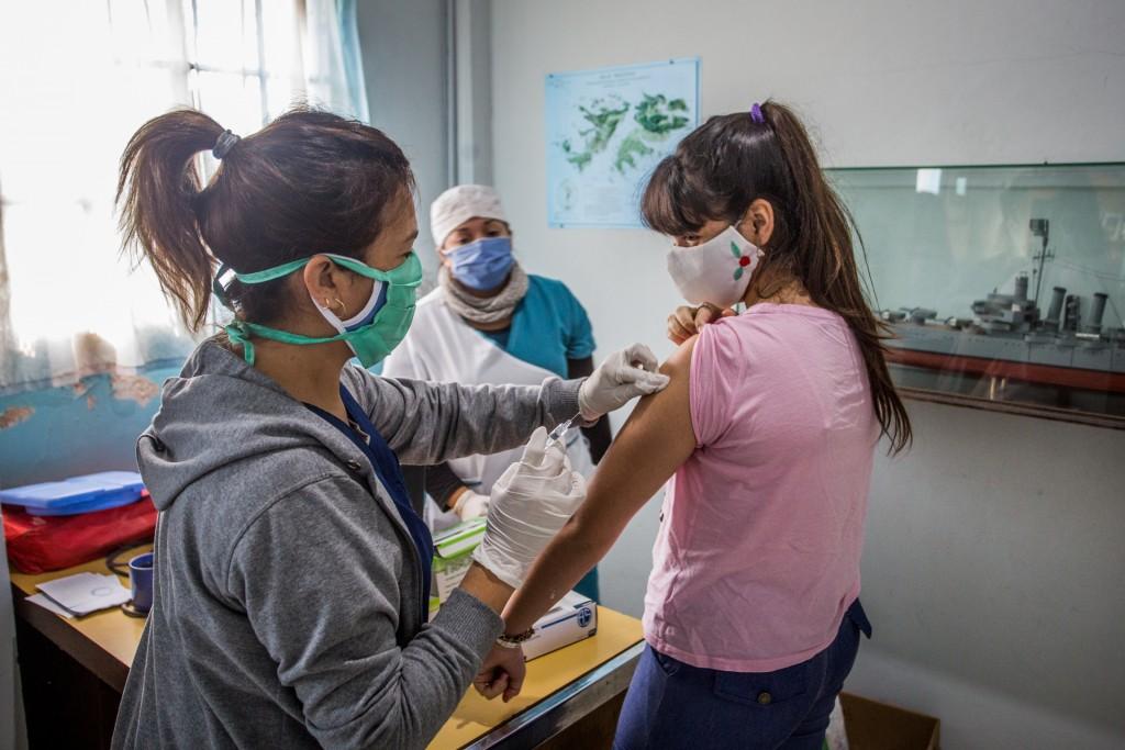 """Berazategui: Vacunas contra la gripe en la agrupacion """"Excombatientes Héroes de Malvinas"""""""
