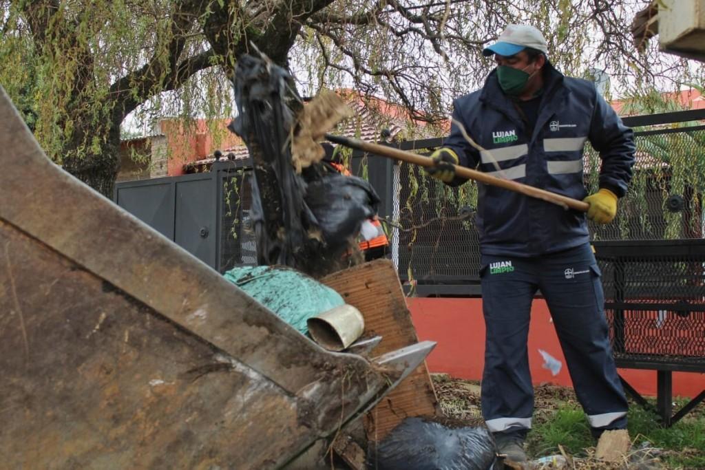 Luján: Trabajadores municipales estrenaron nuevos uniformes