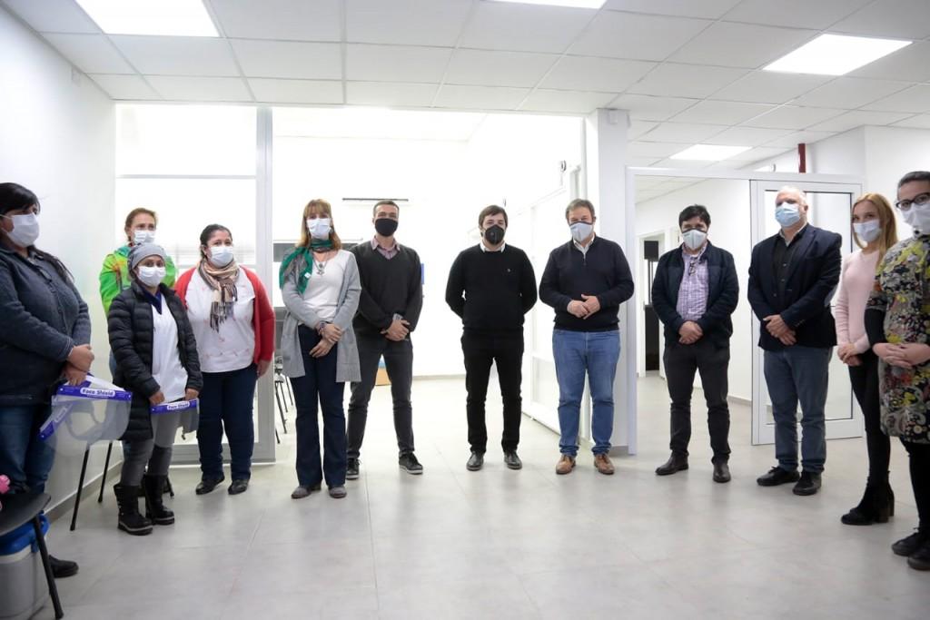 Cascallares y el Viceministro de Salud recorrieron el nuevo caps que atiende a Glew y Longchamps